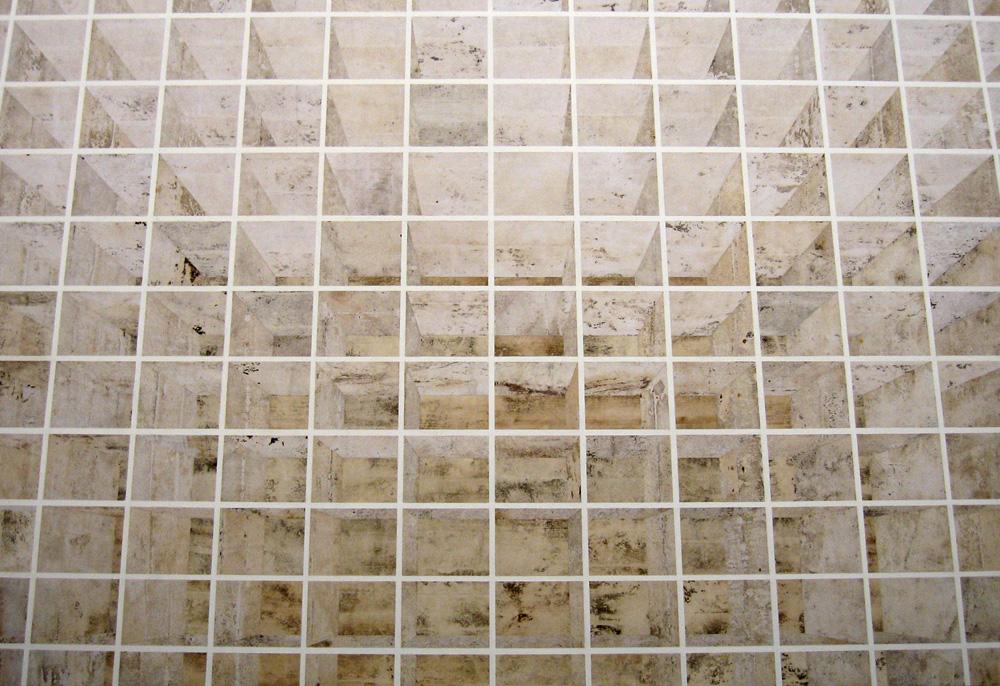 Halbblut (Prateleiras claras, vista central, nicho espaço pequeno)